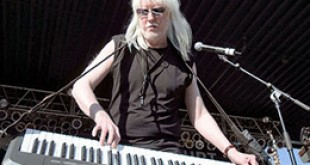 Edgar Winter (pictured) will headline Rockin' by the Bay this Saturday, Sept. 5, 2015.  Tickets are on sale now; call (925) 228-3577 orr visit www.rockinbythebay.com. (COURTESY / On File)