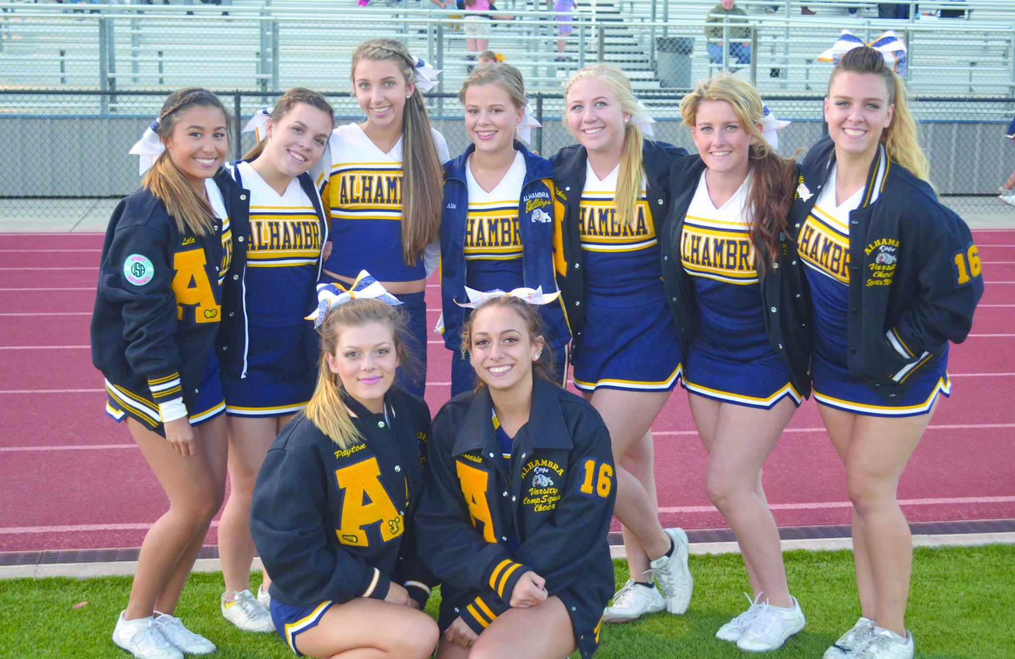 High School Bulldogs Cheerleaders Pictures To Pin On