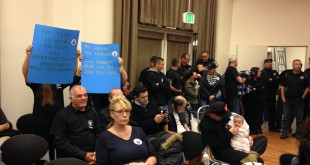 Martinez residents show support for Martinez Police at the Nov. 18, 2015, Martinez City Council meeting. (DONNA BETH WEILENMAN/Martinez Tribune)