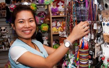 gift-shop-volunteers-rgb
