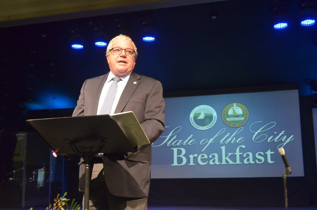 Martinez Mayor Rob Schroder delivers the State of the City Address during a breakfast Tuesday morning, Feb. 9, 2016, at Creekside Church auditorium. The event was hosted by the Martinez Chamber of Commerce and organized by its Executive Director, Julie Sabbagh. (GERARDO RECINOS / Martinez Tribune)