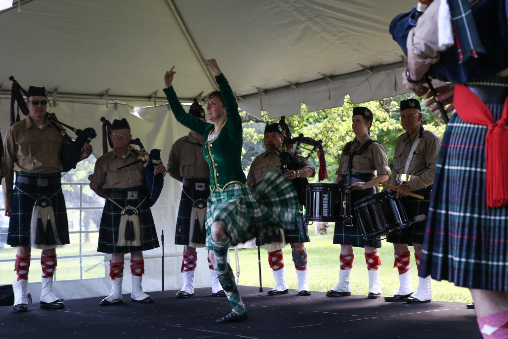 Piedmont Highlanders Pipe and Drum Band perform live Irish music and dance during the festivities. (EMILIA ROSALES / Martinez Tribune)