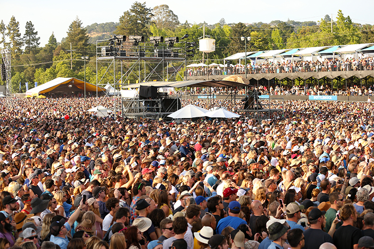 © DANIEL GLUSKOTER Throngs of fans were in attendance for all three days of BottleRock.