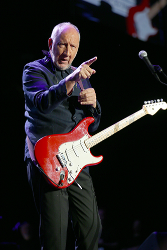 © DANIEL GLUSKOTER Pete Townshend of The Who in Oakland.