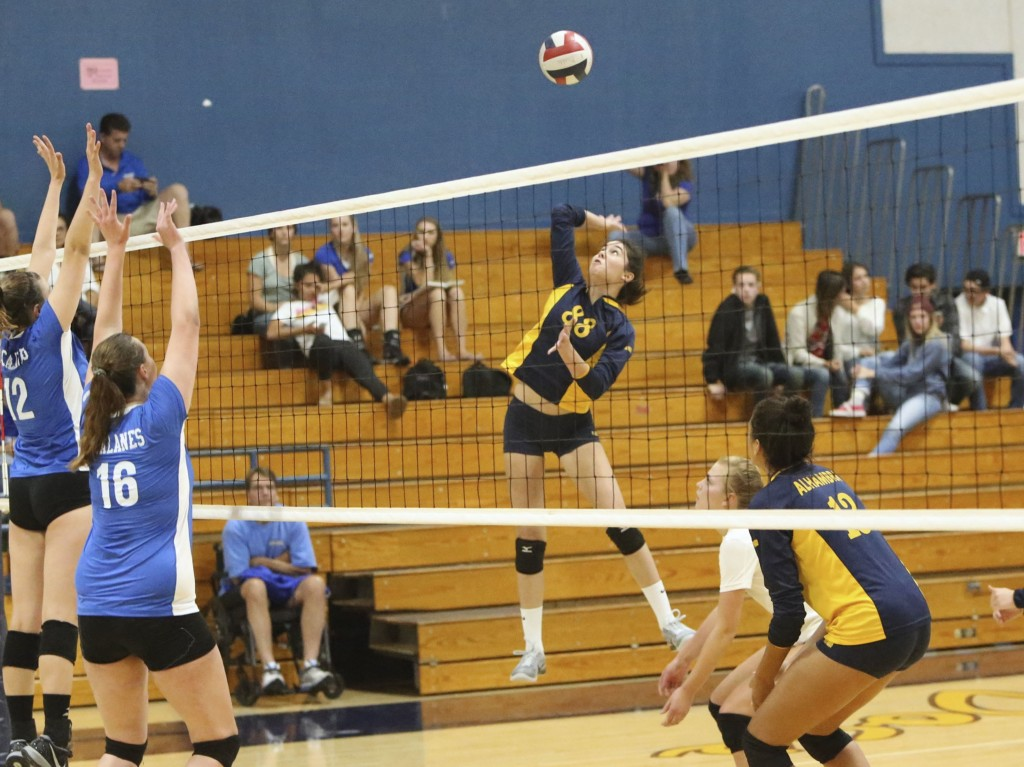 Alhambra junior Gabby Chase (pictured above against Acalanes) had four kills and an ace in the Bulldogs' 3-0 win in the Diablo Athletic League opener against Ygnacio Valley on Sept. 27, 2016. (MARK FIERNER / Martinez Tribune)