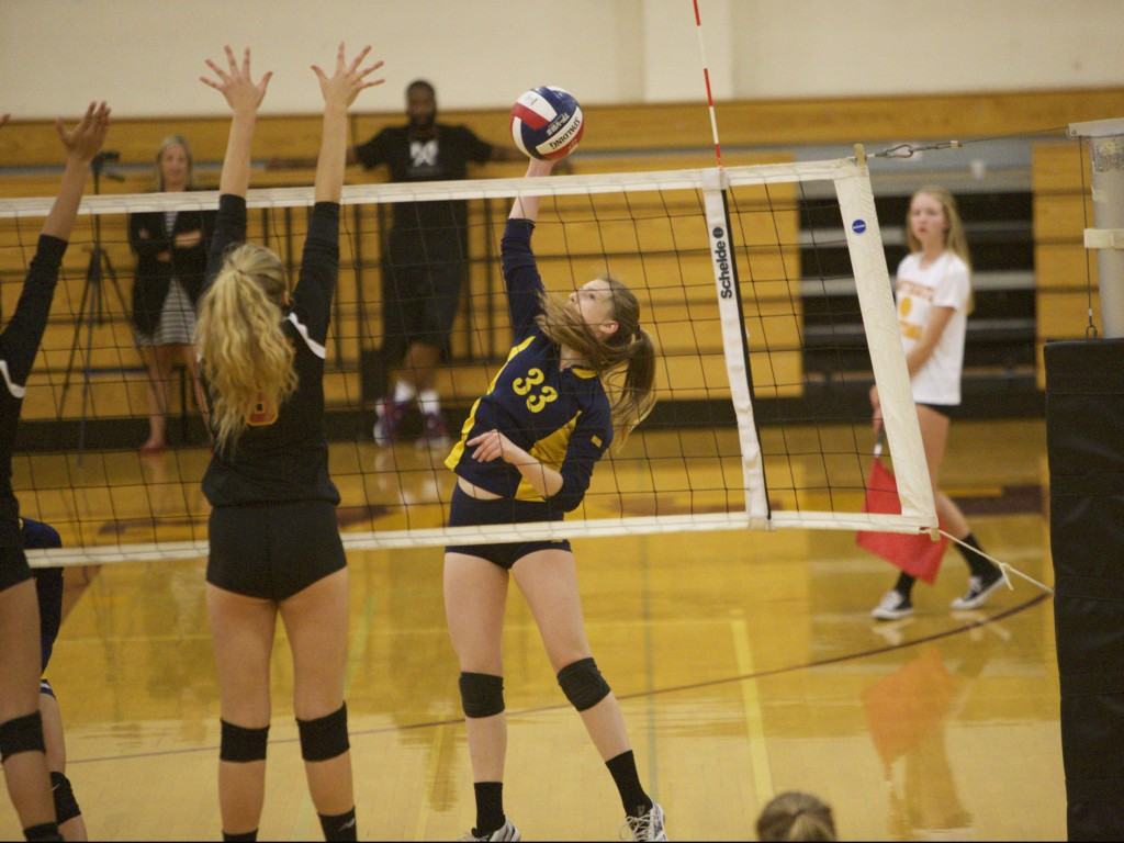 Alhambra senior Sasha Marshall had two important kills to force a fifth set and helped the Bulldogs come back from down 2-0 to win 3-2 on Thursday Sept. 22, 2016, against the Northgate Broncos. (MARK FIERNER / Martinez Tribune)