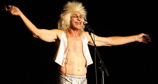 Fee Waybill of the Tubes performs at the Santa Fe Station in Las Vegas, Nevada on August 30, 2008. (Daniel Gluskoter)