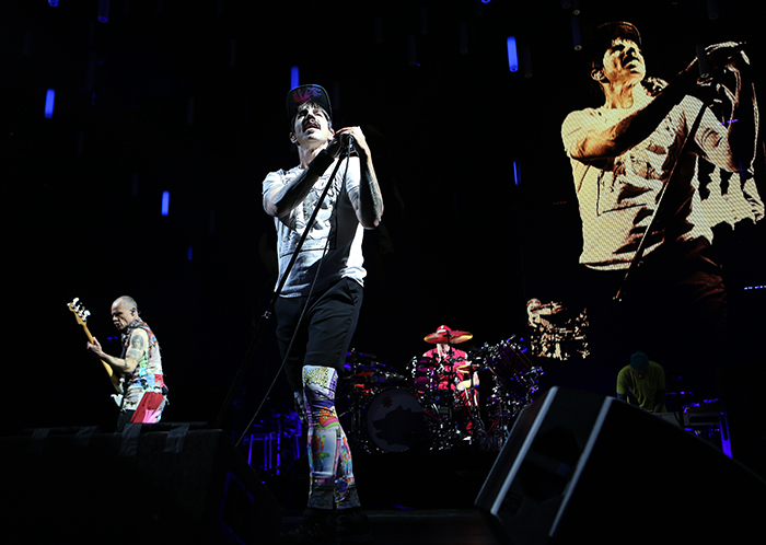 © Daniel Gluskoter The Red Hot Chili Peppers perform at Oracle Arena inn Oakland on March 12, 2017.
