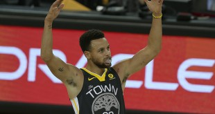 OAKLAND, CA - DECEMBER 30: Steph Curry of the Golden State Warriors celebrates his 10th three point field goal of the evening during an NBA game against the Memphis Grizzlies on December 30, 2017 at Oracle Arena in Oakland, CA.(Photo by Daniel Gluskoter/Icon Sportswire)