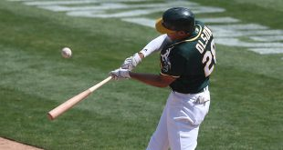 Manaea, slumbering bats lead A's to much needed win over Padres