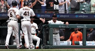 Cueto's arm helps Giants pad lead over Dodgers to three games